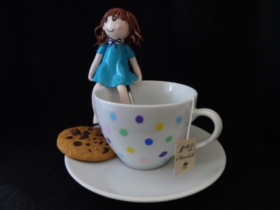 Melle L à l'heure du thé